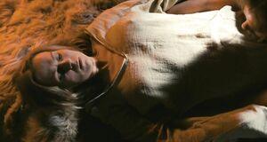 Эротическая сцена со Светланой Чуйкиной у костра