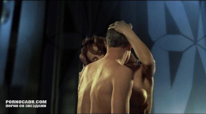 Порно в лифте с ольгой родионовой видео, ганг банг в клубе порно