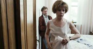 Татьяна Догилева засветила сиськи