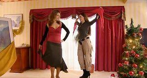 Татьяны Борисовой и Екатерины Крупениной танцуют стриптиз