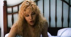 Интимная сцена на кровати с Александрой Захаровой