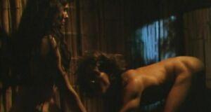 Порно сцена с Сандрой Буллок у костра