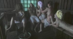 Обнаженные Куликова, Кузюткина, Михайлова, Бутакова и Петрова в бане