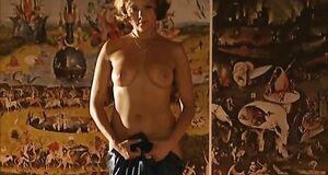 Дарья Повереннова с голыми сиськами