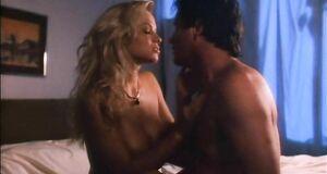 Порно сцена с Памелой Андерсон