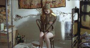 Амалия Мордвинова позирует голой
