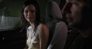 Мокрая и сексуальная грудь Рэйчел Билсон