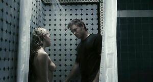Тереза Палмер топлесс в ванной