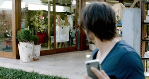 Лоренца Иззо и Ана де Армас показывают голые жопы