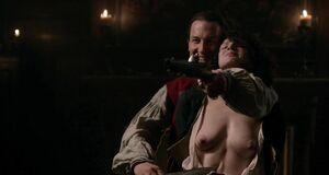 Катрин Балф с голыми сиськами на разборках