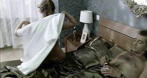 Наталья Круглова засветила голую сиську