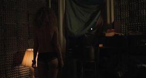 Джуно Темпл с голыми сиськами