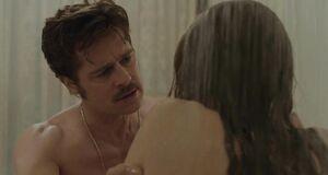 Мокрая и сексуальная Анджелина Джоли