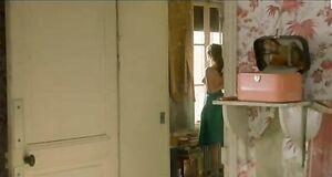 Леа Сейду с голыми сиськами