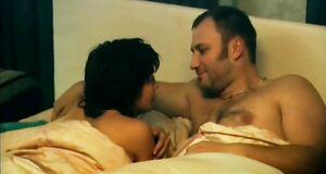 Интимная сцена на кровати с Юлией Рудиной