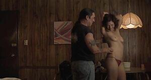 Интимная сцена с Мэгги Джилленхол