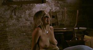 Порно сцена с Мэгги Джилленхол в подвале