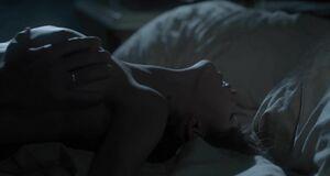 Интимная сцена на кровати с Анной Чиповской