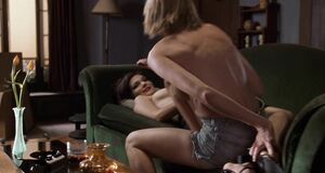Лесби сцена с Наоми Уоттс и Лауры Хэрринг