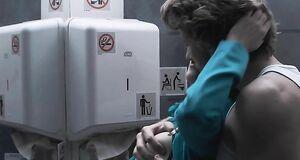 Трах с Кэрис ван Хаутен в самолете