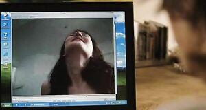 Мужик смотрит на порнушку с Кэрис ван Хаутен