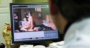 Порно сцена с Лаурой Уиггинс