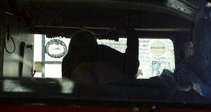 Лаура Уиггинс трахается в машине