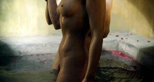 Полностью голая Анна Хатчисон