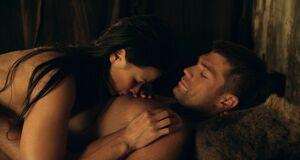 Интимная сцена на кровати с Катриной Ло