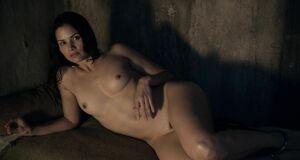 Катрина Ло без одежды
