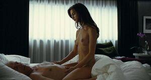 Интимная сцена на кровати с Мариной Вакт
