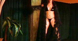 Аманда Ригетти разделась догола