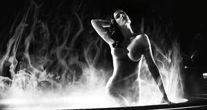 Ева Грин купается голышом