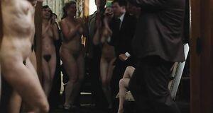 Танец обнаженных девок