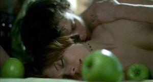 Интимная сцена на кровати с Любовью Толкалиной
