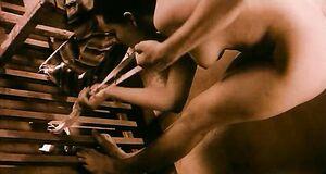 Полностью голая Чулпан Хаматовой в раздевалке