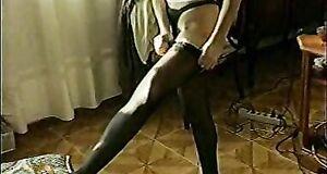 Любовь Тихомирова засветила голые сиськи в телепередаче «Мужской интерес»