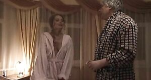 Елена Ксенофонтова засветила голую сиську