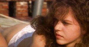 Мария Атласова и Лянка Грыу загорают голыми