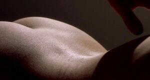 Интимные сцены с Джессикой Бил и Ванессой Мотта