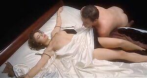 Алисса Милано трахается с вампиром