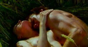 Ольга Егорова трахается на траве