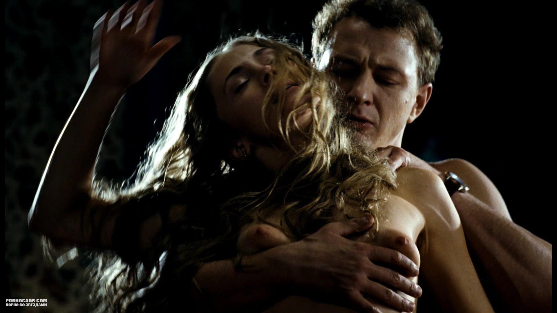 anna-kazyuchits-erotika-video-chulkah-strapon