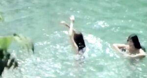 Алла Сигалова купается голышом