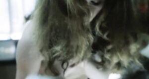 Оксана Арбузова заасветила голую сиську