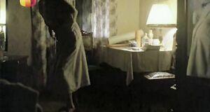 Ирина Розанова засветила грудь