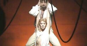 Выступление голышом Аллы Югановой в спектакле