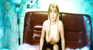 Анна Старшенбаум показывает голые сиськи по вебке