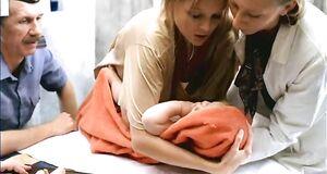 Елена Великанова случайно засветила грудь