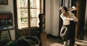 Любовная сцена с Сальмой Хайек в кладовке